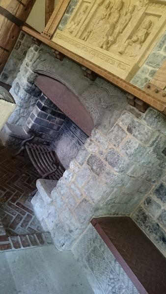客間の暖炉
