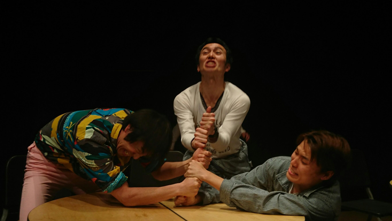 ラクリーメロッセの指相撲