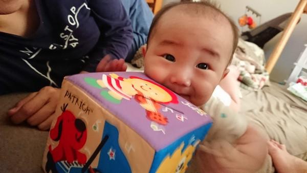 【育児】キッズラインで月商100万のシッターが現れた件で