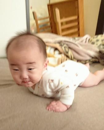 赤ん坊の変顔