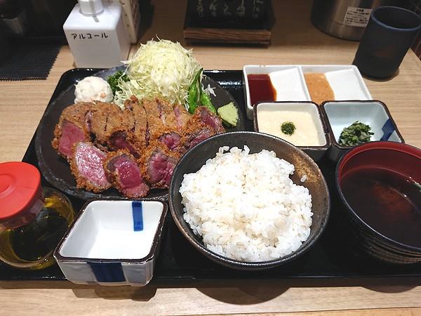 牛カツ&牛タンミックス定食100g