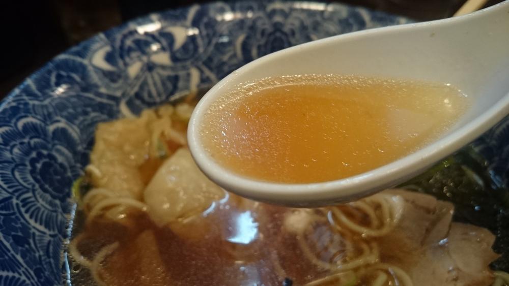 ら麺亭のしょうゆスープ