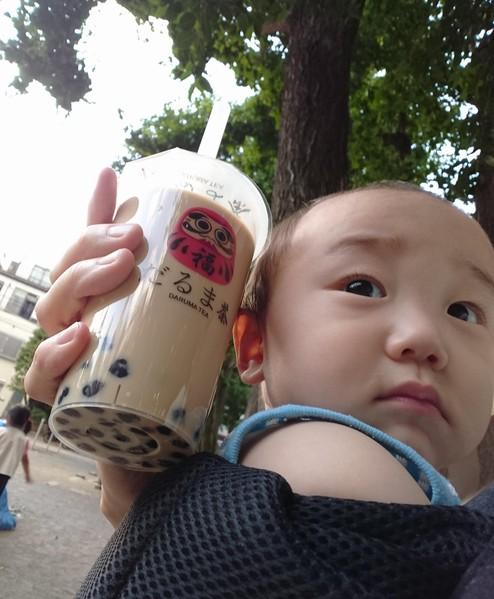 だるま茶のタピオカミルクティーと我が子