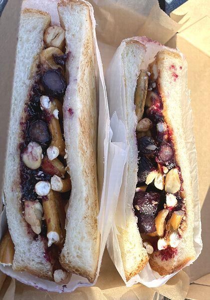ブルーベリーのサンドイッチ