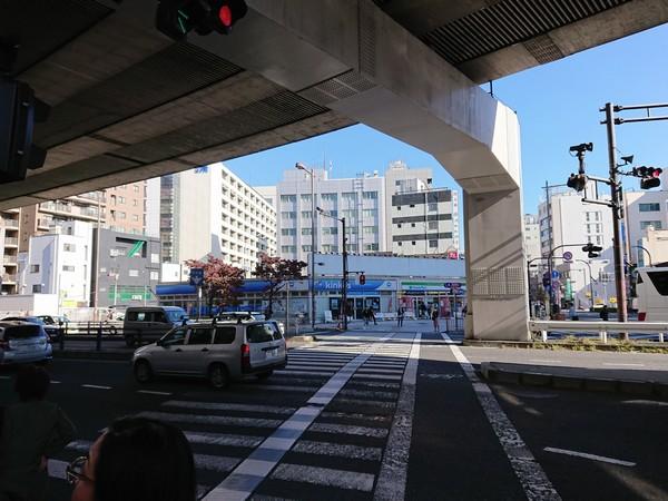 上野駅前の大きな交差点