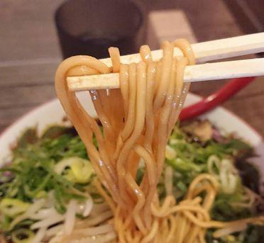 新福菜館の麺