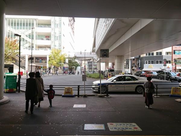 JR日暮里駅の北口改札からの東口