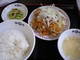 ワンコインランチの唐揚げ定食