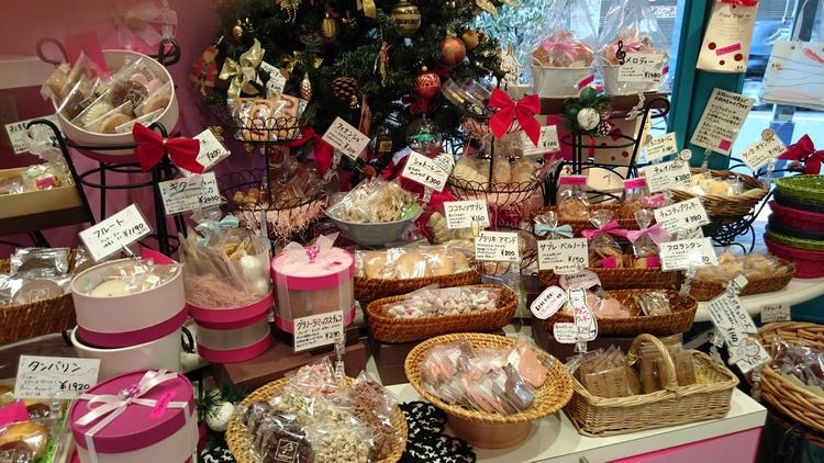 浅草の人気の洋菓子店のひとつ